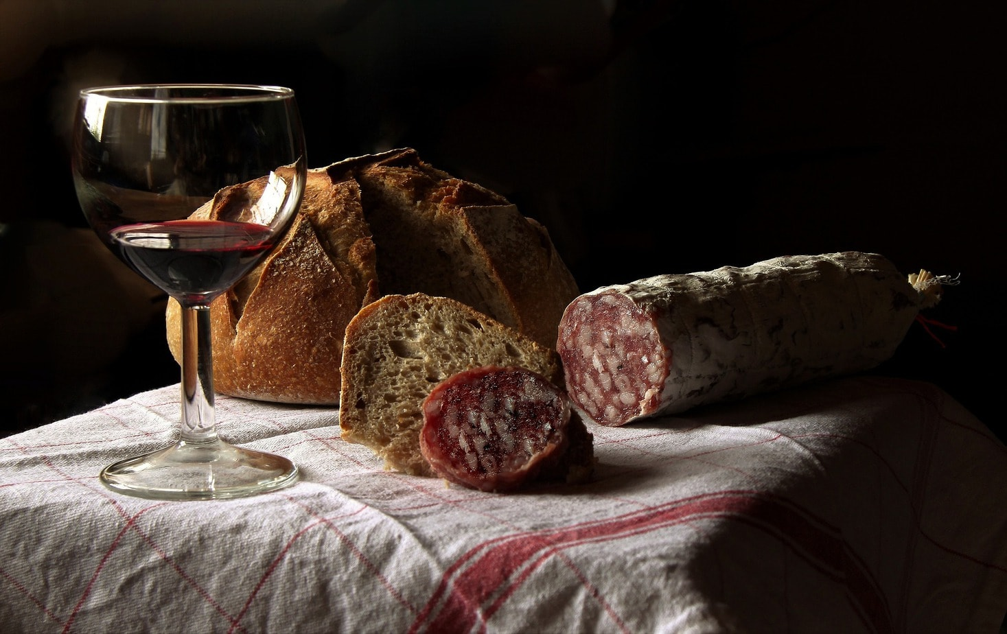 what wine goes with pork - featured image