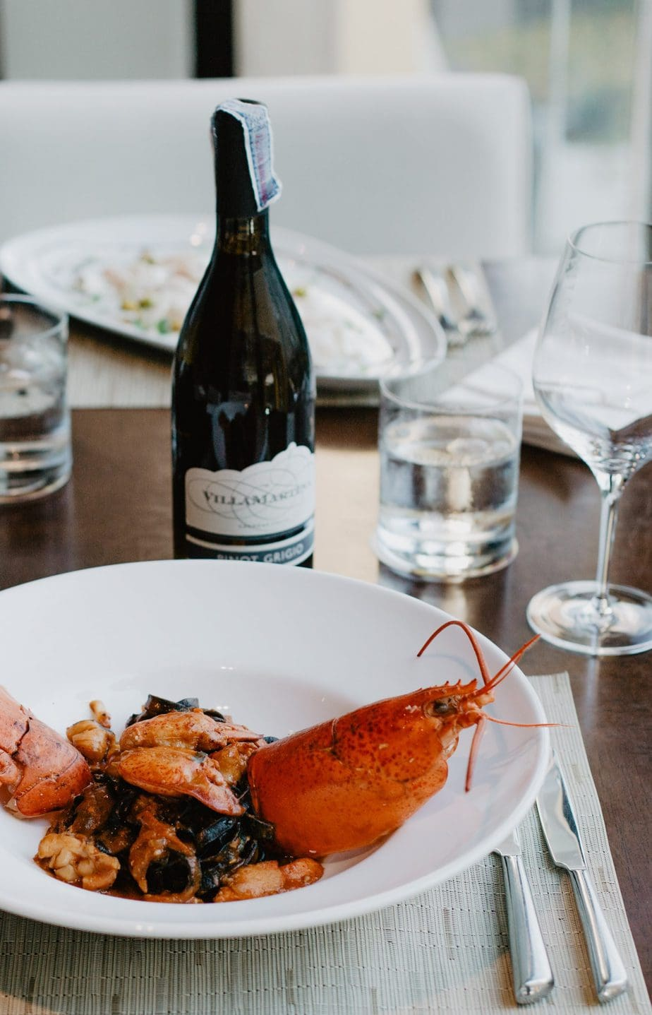 lobster and wine dinner serving